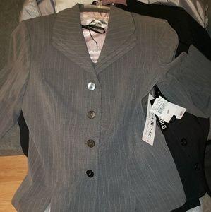 Pant suit size 6p
